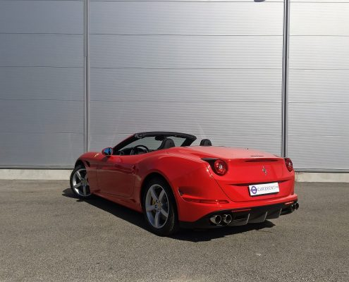 hire ferrari california T saint-tropez with car4rent