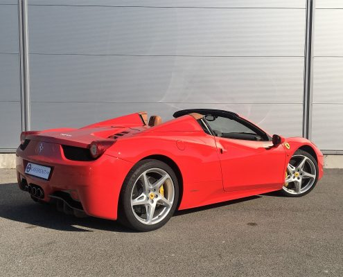 rent efrrari cannes with car4rent