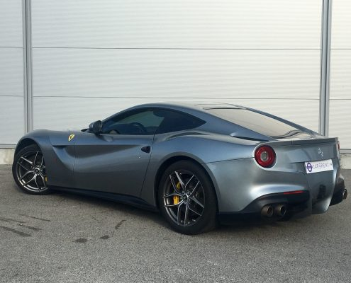 hire ferrari f12 france thanks to car4rent