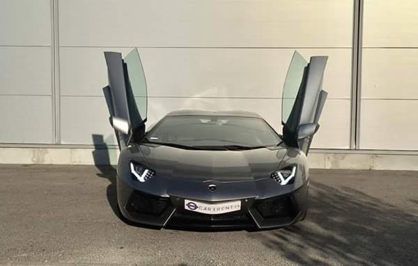 hire lamborghini aventador roadster cannes with car4rent
