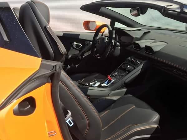 disocver lambo huracan spiuder interior Car4rent