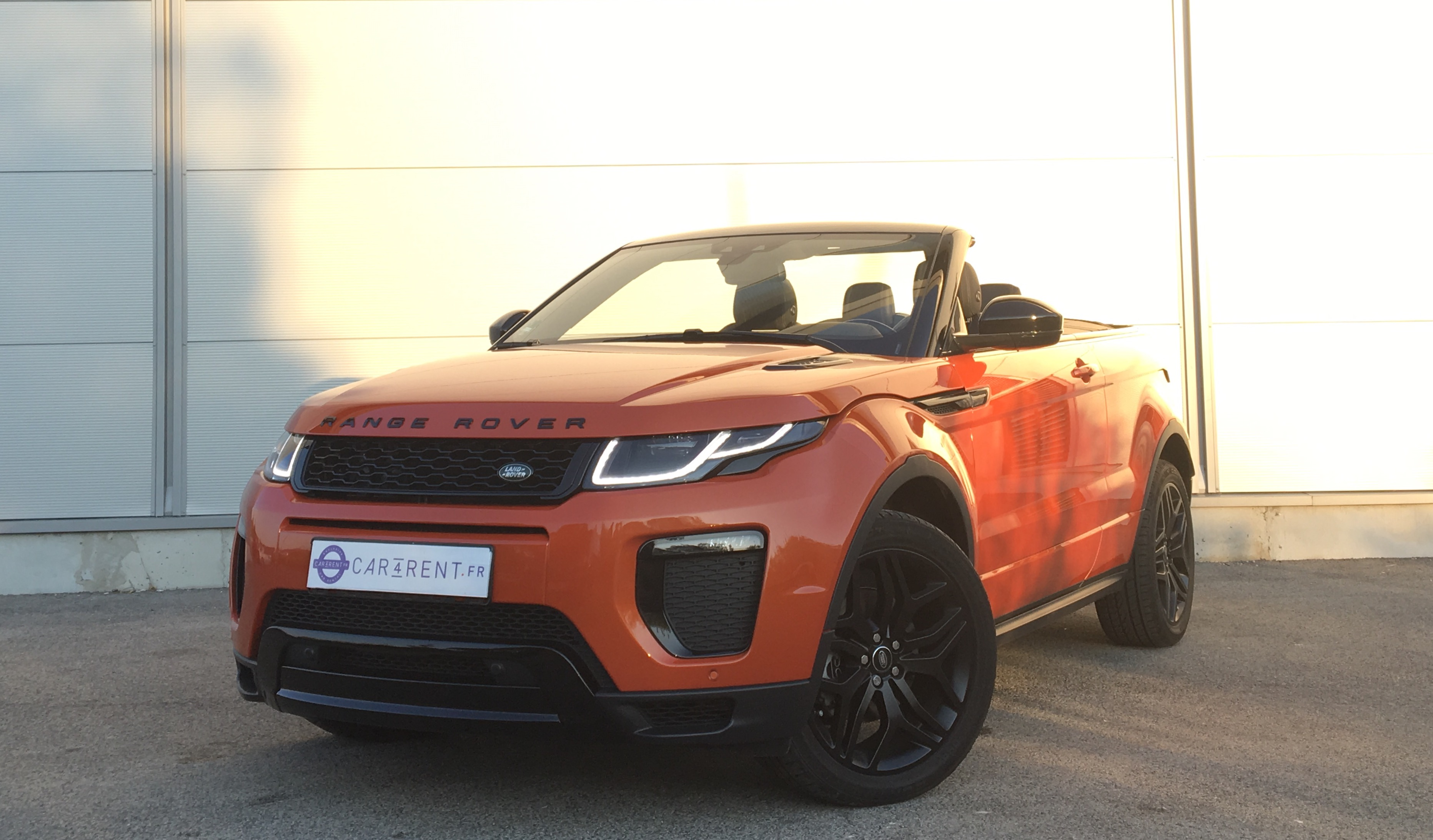 land rover evoque d180 hse dynamic convertible car4rent. Black Bedroom Furniture Sets. Home Design Ideas