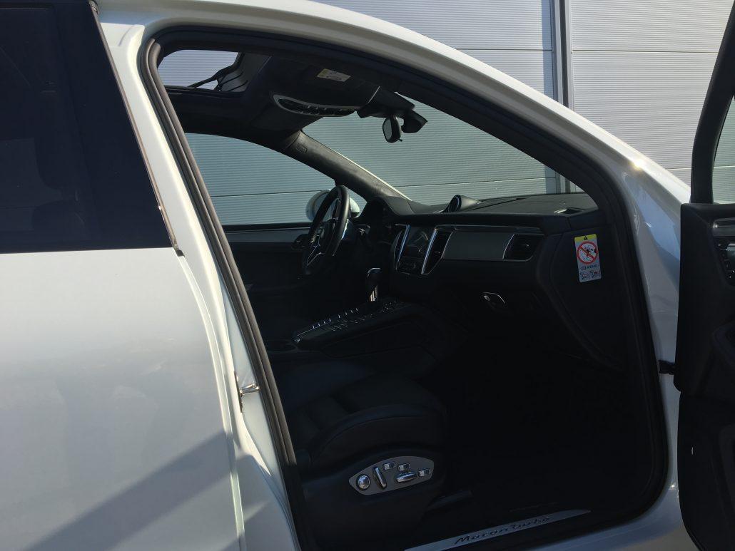 car4rent location porsche macan turbo cannes monaco nice. Black Bedroom Furniture Sets. Home Design Ideas