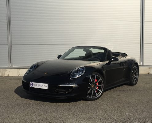 Porsche 911 GTS cabrio - front picture in Car4Rent garage
