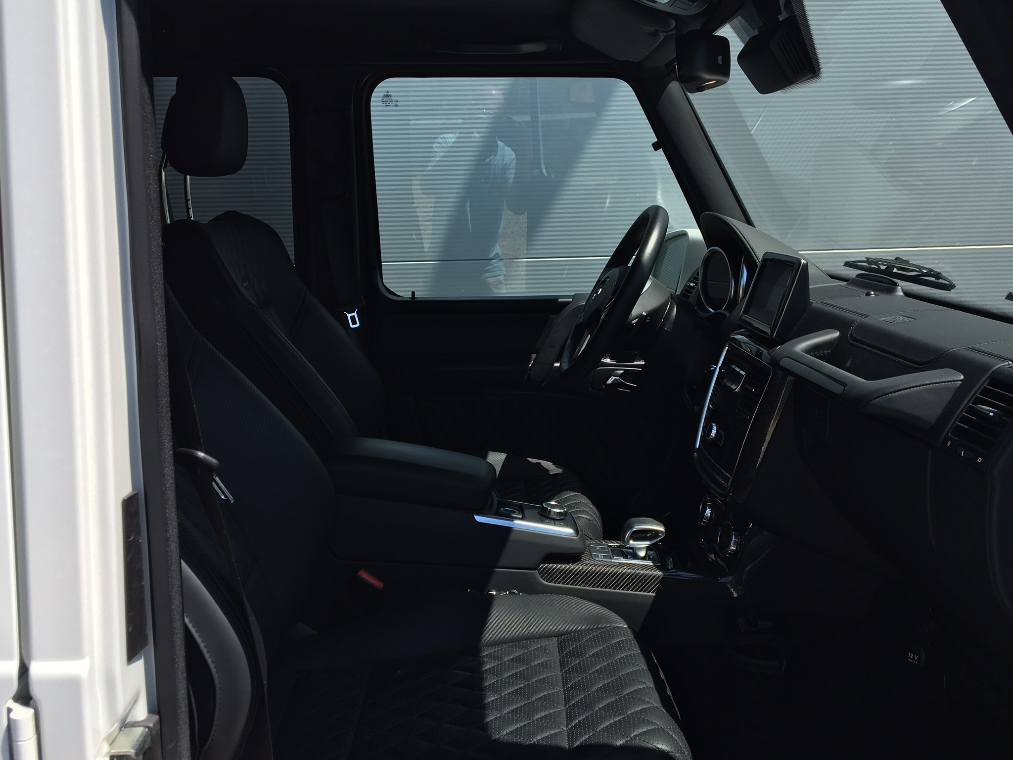 Car4rent 4x4 rental cannes mercedes g63 long interior