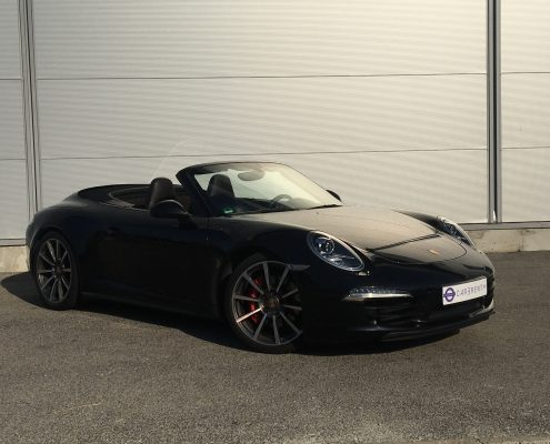 Porsche 911 GTS cabrio - picture in Car4Rent garage