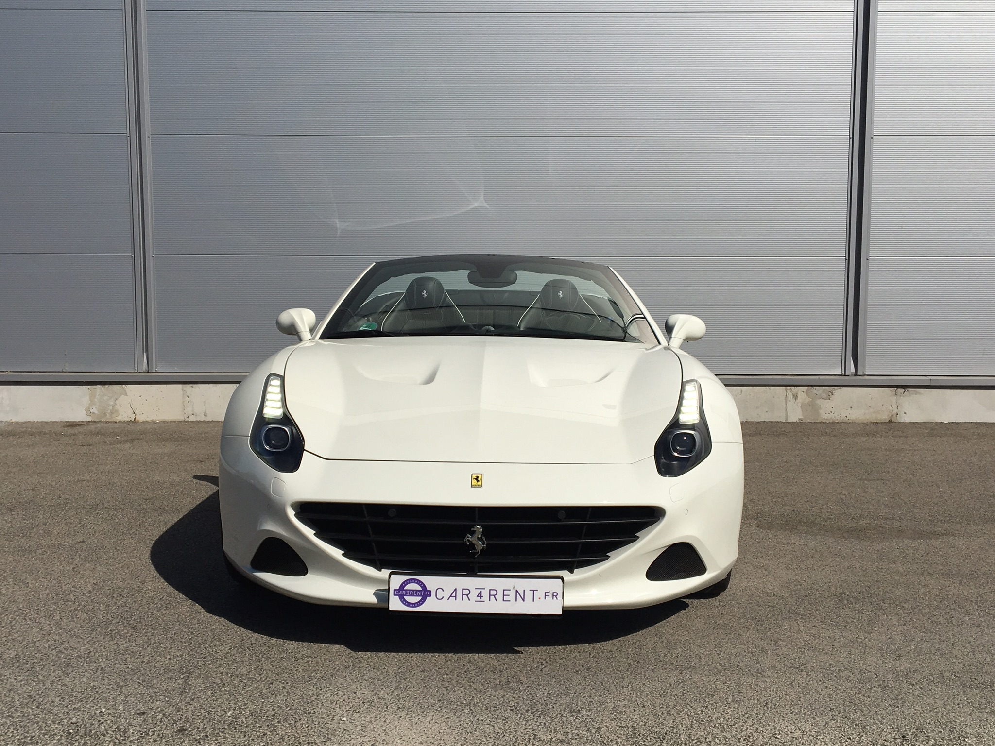 location ferrari california saint-topez Car4rent