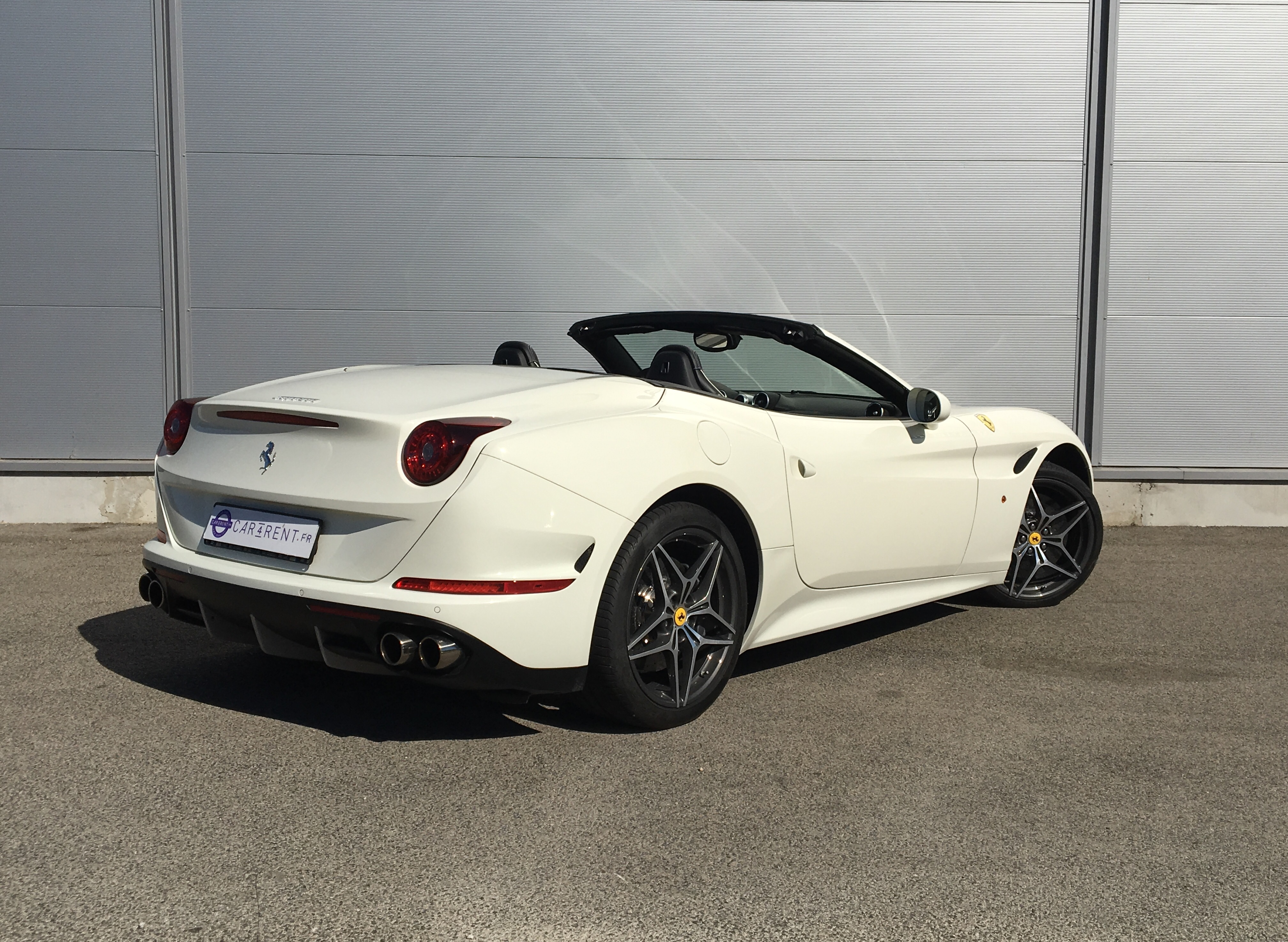 louer ferrari california cannes Car4rent