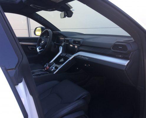 Lamborghini urus rental toulon