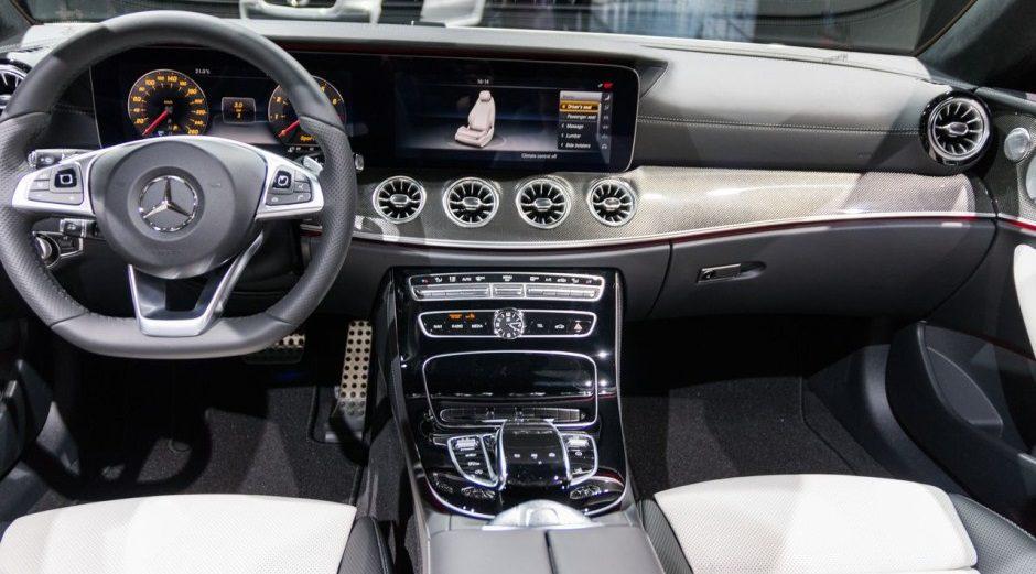 https://car4rent.fr/wp-content/uploads/mercedes-classe-e-cabriolet-interieur-et-tableau-de-bord.jpg